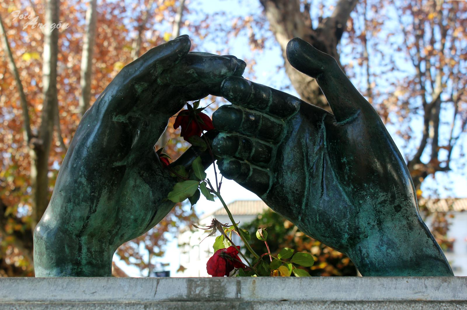 monumento a los enamorados cordoba
